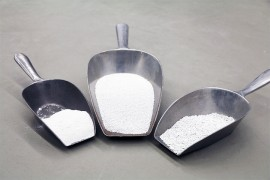 Sodium carbonate perfectly screened with vibration screening machine type WA